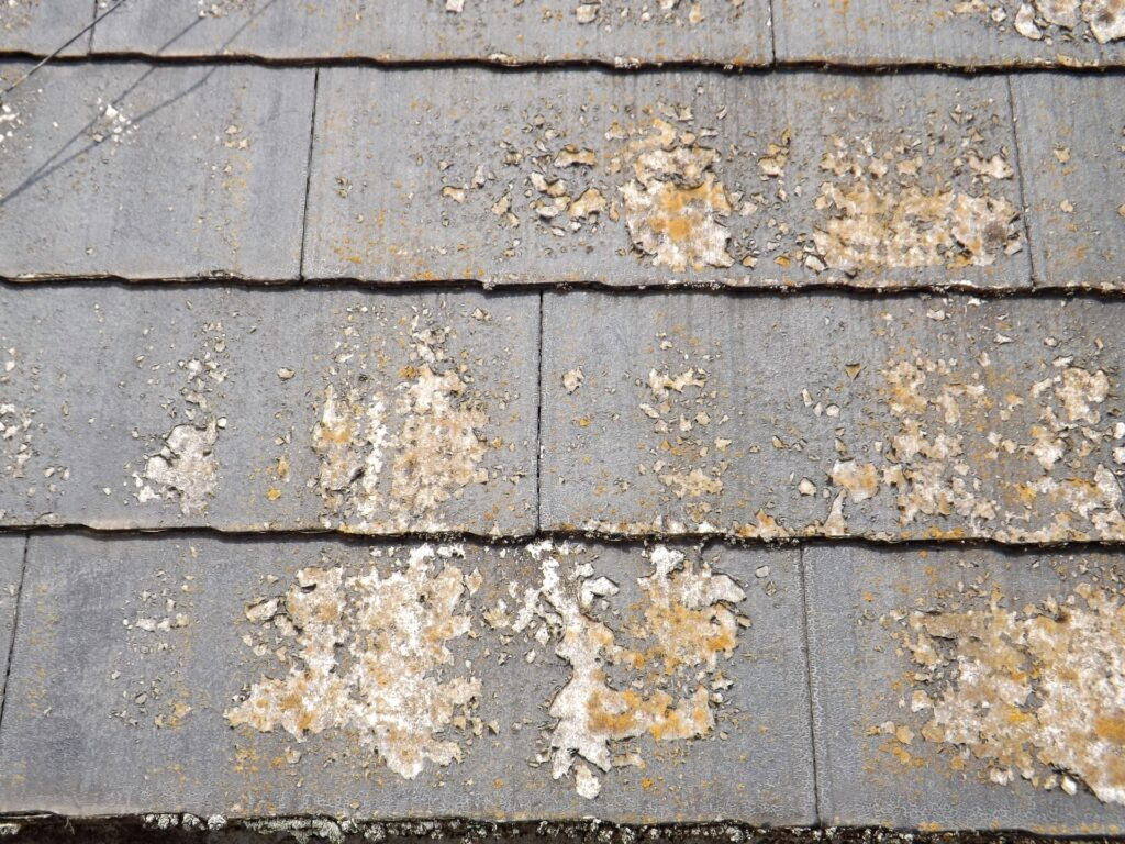 塗装が剥がれてしまった屋根